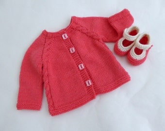 Hand knit baby cardigan & booties, baby girl gift set, knitted baby booties, knitted baby clothes, hand knit cardigan pink handmade gift set