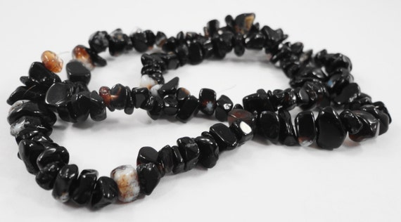 """Black Agate Chip Beads 4x2mm to 10x5mm Black Agate Onyx Chip Beads, Gemstone Chip Beads, Black Stone Chip Beads on a Full 17"""" Strand"""