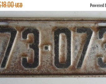 ON SALE Vintage 1933 Minnesota License Plate, Black, Auto, Supplies Destash Odds and Ends Items For Art or Craft Projects
