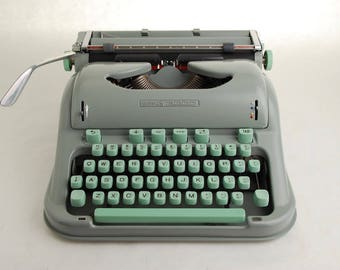 Typewriter Hermes 3000 w/ French Accents