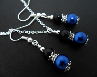 A hand made black & blue glass pearl  beads   necklace and   earring set.