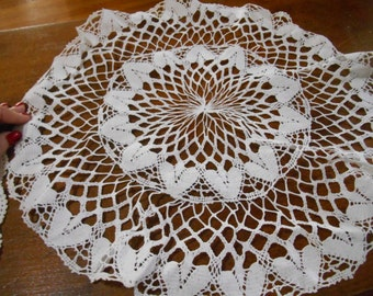 Large White Crochet Doily 19 inches diameter