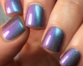 The Eye Of The Beholder - Multi Chrome Chameleon - Linear Holographic - Turquoise Navy Purple Magenta Nail Polish