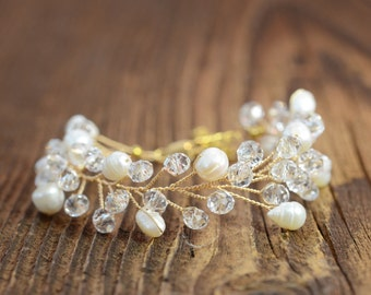 Gold Bridal Bracelet Pearl Wedding Bracelet Statement Bracelet Crystal Bridal Jewelry Wedding Cuff Bracelet Wedding bridal accessories boho
