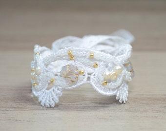 Bridal Cuff Wedding Cuff Bracelet White Lace Bridal Jewelry Pearl Cuff Bracelet Bridal Cuff Bracelet, Bridal lace Cuff vintage style jewelry