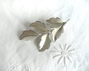 Sterling silver leaf brooch, vintage silver brooch, brushed silver leaf brooch, modernist silver brooch, mid century silver brooch