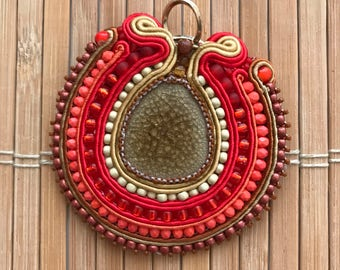 Handmade soutache pendant. Vegan friendly. Vegan pendant. Unique jewellery. Orange. Red. Brown. Colorful. Vegan gift. Birthday gift. Boho.