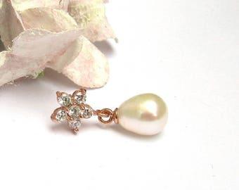 Rose Gold , Freshwater Pearl Bridal Earrings, Small Teardrop Pearl Earrings, Bridal Jewellery, Wedding Jewellery, Stud earrings