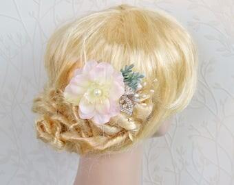 Rhinestone hair comb, Wedding flower hair comb, Pink bridal comb, Pearl gold floral hair piece, Wedding hair comb, Pink bridal hair piece