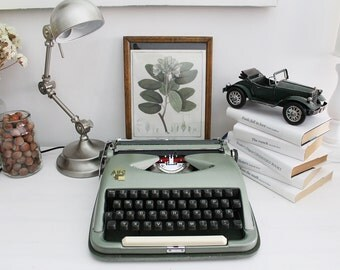 ABC rare retro working portable typewriter with case