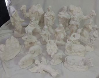 """FREE SHIPPING! Vintage  ceramic Atlantic Nativity 21 piece set ready to paint 5"""" to 7"""" ceramic bisque"""