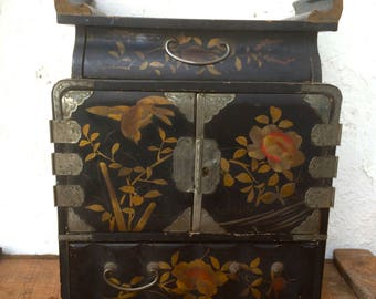 Antique table cabinet chest of drawers Japanese lacquer lacquerware kodansu tansu doored four drawer cabinets dressing box jewelry boxes
