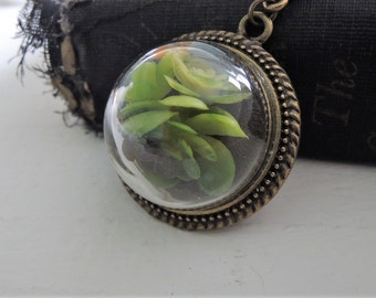 Succulent Terrarium Necklace Glass Cloche Dome Necklace Miniature Garden Jewelry Botanical Nature Inspired Glass Dome Pendant Gift for Her