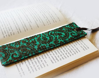 SALE!! Green Bookmark, page marker, book accessory, reader gift, teacher gift, Bookworm, book accessory, gift idea, mothers day gift, book