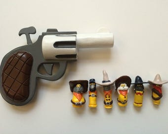 Who Framed Roger Rabbit? Painted Toon PIstol and Dum Dums (Bullets) Prop/Replica