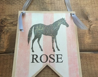 Horse, Personalized Door Hanging-Personalization is free, put a messag on the back-5 by 7 wood pennant for a little girls room