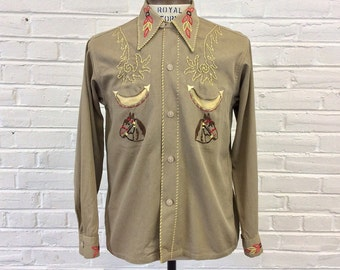 Vintage 1940s 1950s Embroidered Western Cowboy Shirt with Loop Collar. Size M