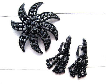 Vintage Black Rhinestone Flower Brooch Demi Parue Mourning Jewelry Black Glass Rhinestones Japanned Black Metal Dangle Earrings 1960's
