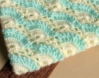 Baby Blanket, Crochet Baby Blanket, . PhotoProp blanket Smal blanket.