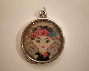 Resin pendant, Frida Kahlo, epoxy resin jewelry, epoxy resin pendant, round pendant, woman pendant