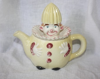 Vintage Japan Yellow Clown Reamer Juicer 2 Piece Lid and Pot