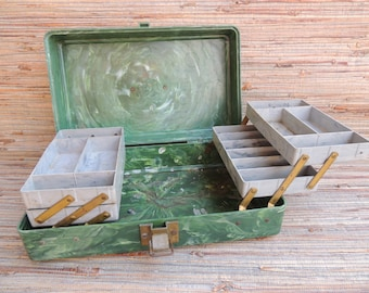 1950s Pete Henning Green Marbled Plastic Fishing Tackle Box Plano IL