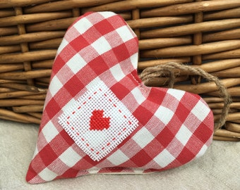 Hanging heart filled with lavender