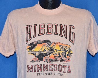 80s Hibbing Minnesota Its the Pits Funny t-shirt Medium