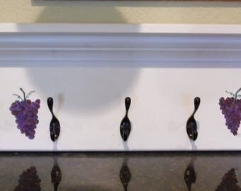 White Hat and Coat Rack with Five Hooks, Hand Painted Grapes, Home Decor, Storage, Towel Rack, Jewelry Holder