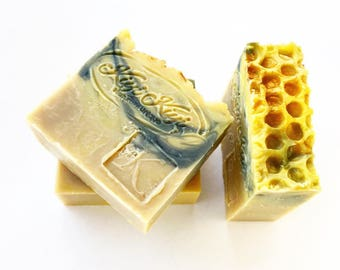 Queen Bee Soap, Beeswax Soap, Kween Gift, Honeycomb Soap, Lard Soap, Luxury Soap Bar, Activated Charcoal Soap, Beekeeper Gift, Gift For Mom,