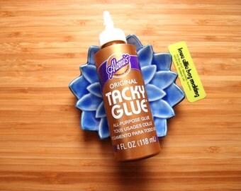 Aleene's Original Tacky Glue - All Purpose Tacky Glue - Craft Glue Fabric Glue - Non Toxic - Clear Finish - 118ml bottle - vegan glue