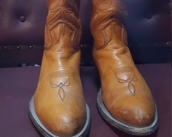 70'S Handcrafted  Distressed Stewart Boot Co. Inc.Womens Size 11B Sold As Is