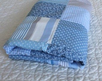 Baby Blanket quilt with soft fleece,blue baby quilt, blanket for baby, soft blanket, patchwork quilt, blue baby throw, crib blanket,