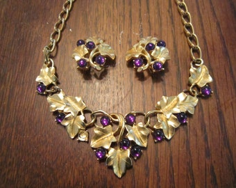 Kunio Matsumoto Grape Leaves and Grapes Matte Gold Tone Necklace and Earrings