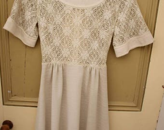 Vintage early 60's cream dolly lace dress