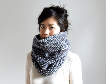Chunky Knit Cowl Scarf, Merino Wool Scarf, Unisex Scarf, Knit Accessories