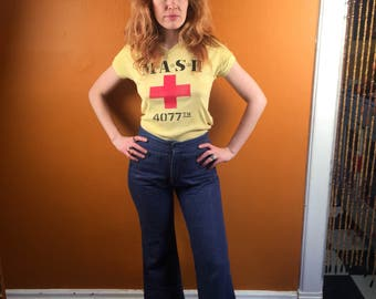 Vintage M.A.S.H. Yellow Ladies V-neck Tee shirt