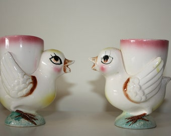 Set of 2 vintage Chicken hen chick Egg cups