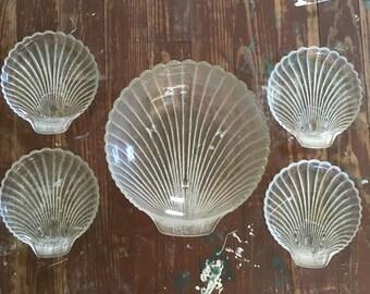 Beautiful Shell Bowl and Plate Set