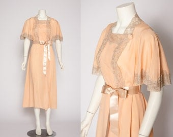 peach with tan lace dressing robe vintage 1920s • Revival Vintage Boutique