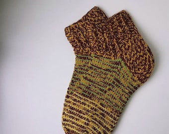Size 39-40 EU/7 1/2 - 8 1/2 women 6 1/2-7 1/2 men US Hand knitted short striped colorful lambswool socks Ready to ship Home/Sleeping socks