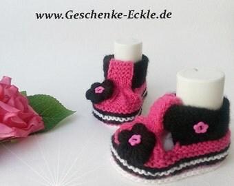 Knitted baby shoes baby shoes baby shoes pink black handmade