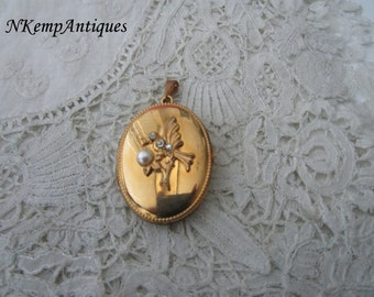 Keepsake locket 1930's