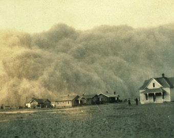 The Dust Bowl dust storm approaches Stratford, Texas, in 1935.