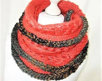 Loop crochet from knitting in red Strickloop