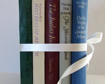Vintage Victoria Holt novels romance novels, vintage romance wedding, shower