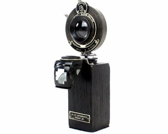 Steampunk Wine Bottle Stopper with Stand - Vintage Kodak 2C JR Folding Camera