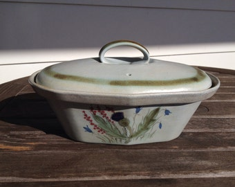Beautiful lidded stoneware casserole by Buchan of Portobello of Scotland