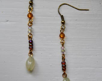 Antique-Looking Earrings with Glass Pearls
