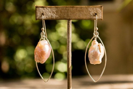 Peach Pearl and Silver Oval Earrings